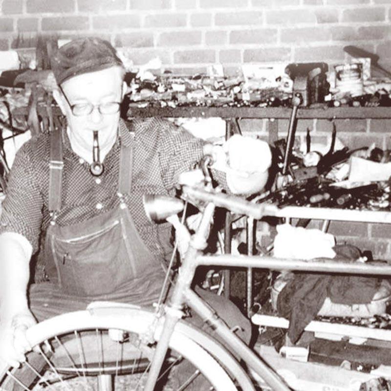 Fahrrad-Lindemann_Ueber-uns_Opa-1